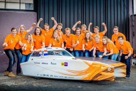 Epic Agility weer trotse coach van Vattenfal solar team